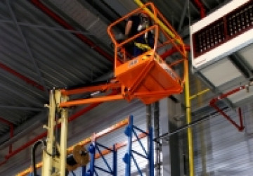 Electric 4x2 Mobile Vertical Mast Lifts